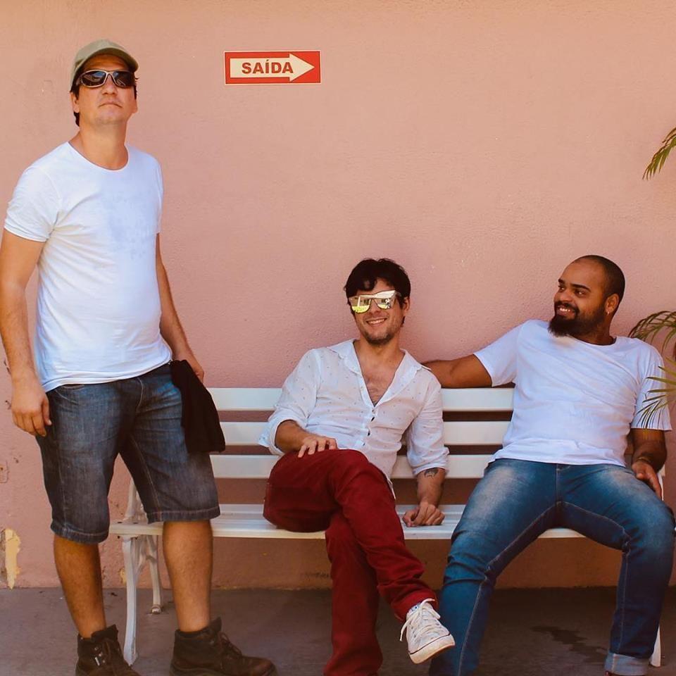 Coxas D'Amélia é uma banda de rock nada convencional