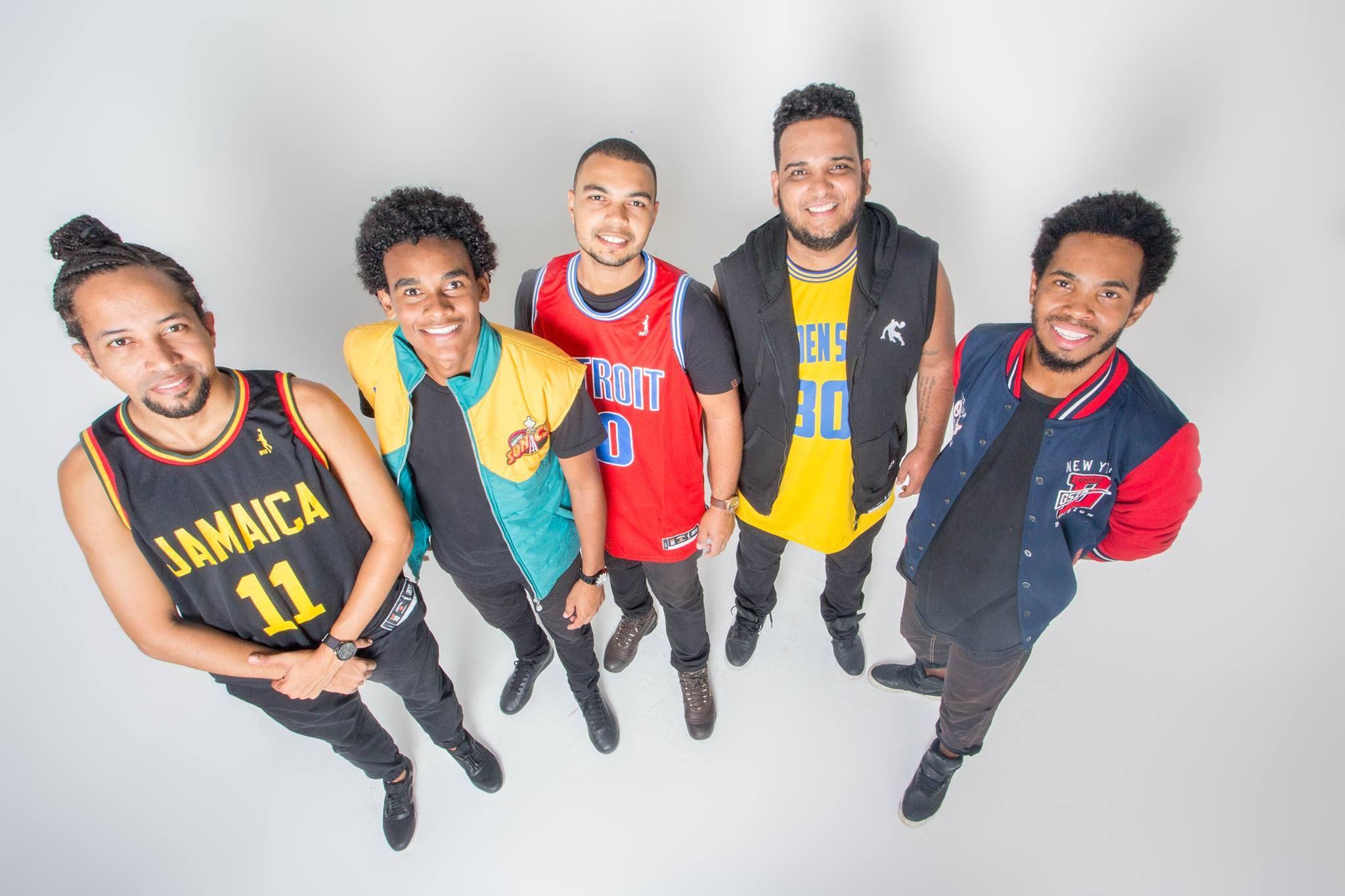 Periferia A Massa é uma banda que mistura soul, pop, balanço
