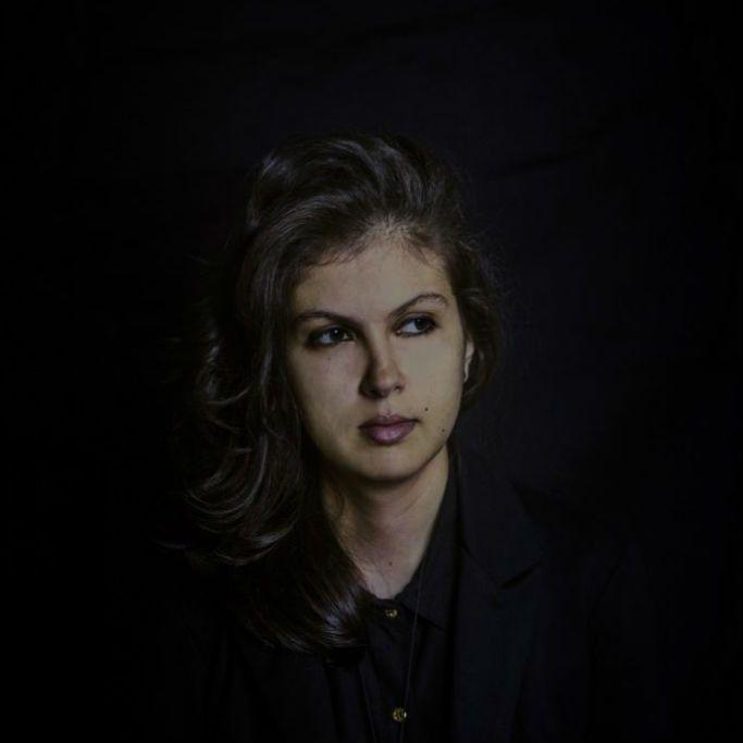 Sarah Abdala faz música para lidar com o sofrimento da América Latina