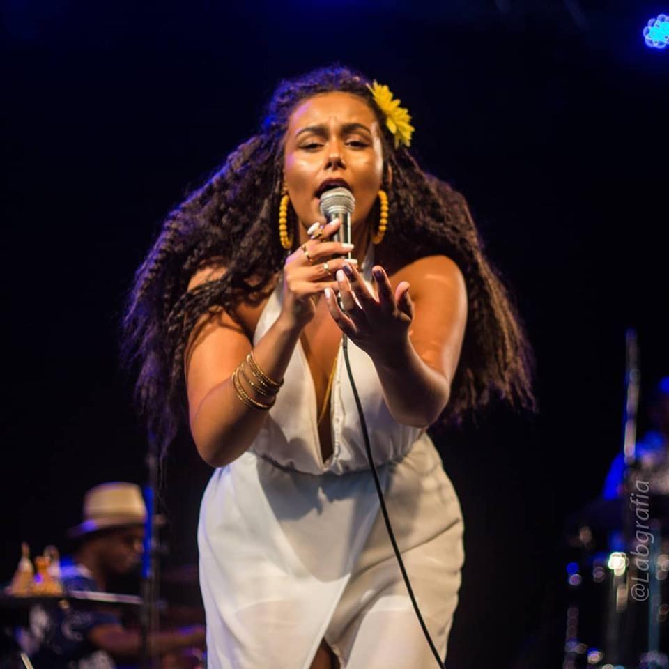 Bia Doxum é a alma negra da novíssima música brasileira