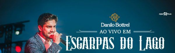 Danilo Bottrel canta durante show do DVD Ao Viovo Em Escarpas do Lago