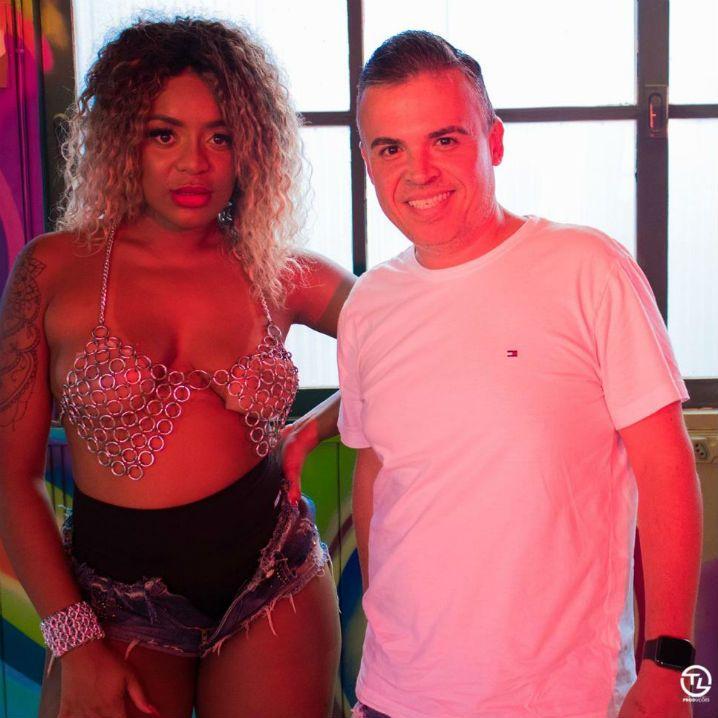 Cariucha e DJ Batata, durante gravação do clipe do single Mão Boba