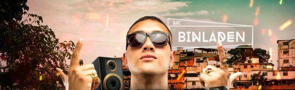 Montagem mostra MC Bin Laden com os dedos em ristes; ao fundo do artista tem uma favela