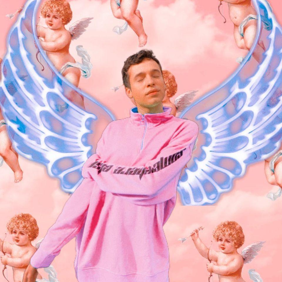 Cantor LGBT, Bruno Maury com asas de anjo