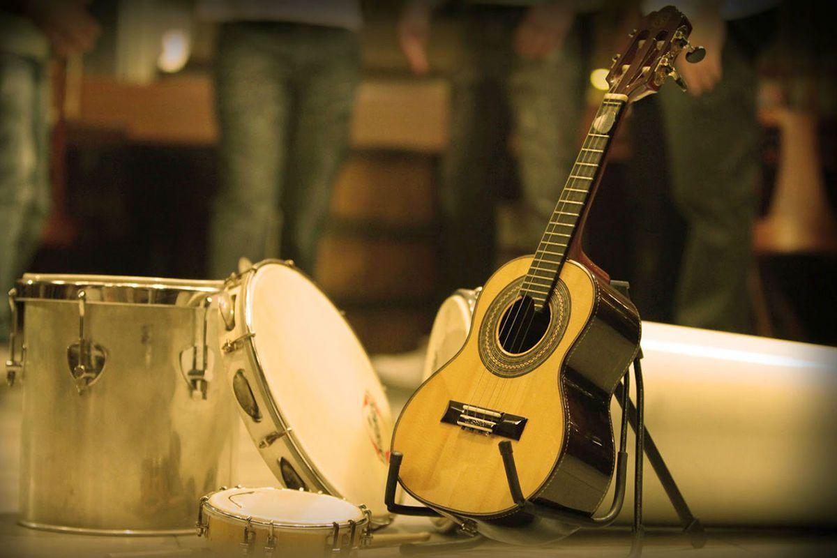 Instrumentos típicos de samba