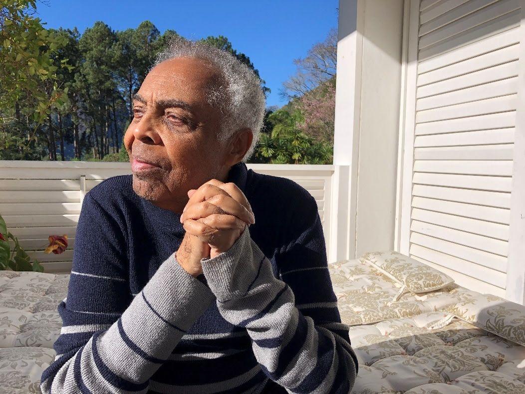Gilberto Gil mostra como usar o TikTok de forma diferente