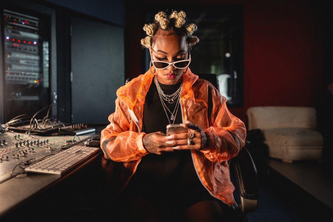 Artista pode usar o celular para fazer distribuição digital de música