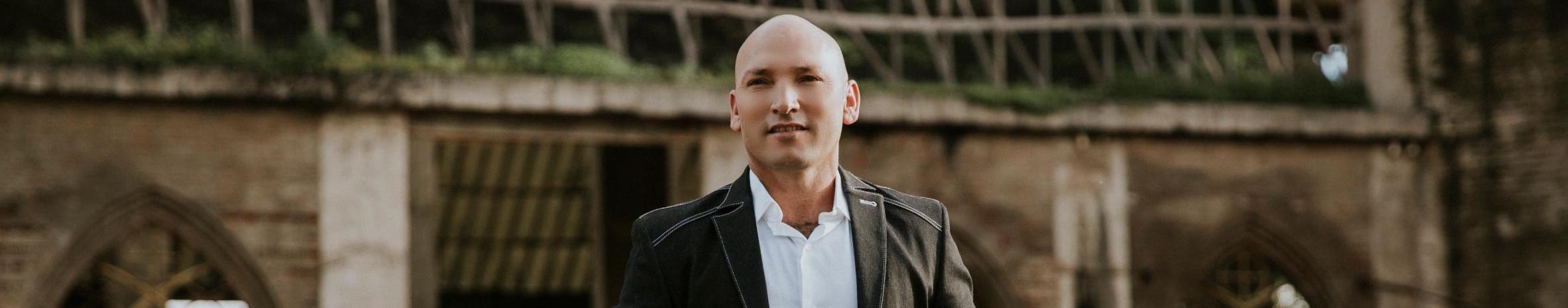 Imagem de capa de Irmão Ribeiro