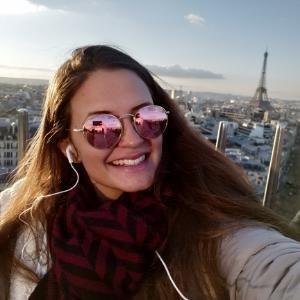 Júlia avatar