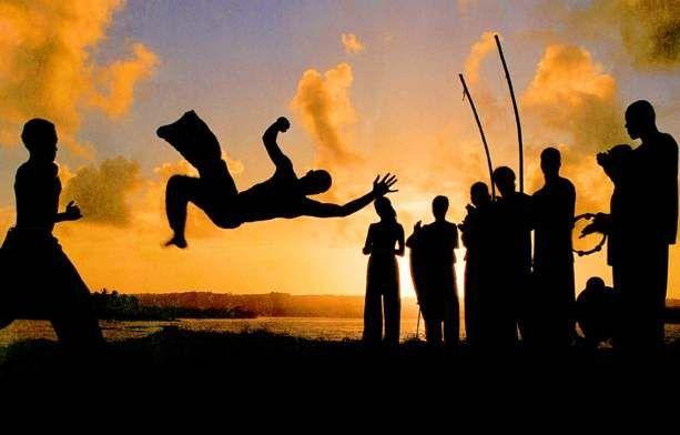 musica de capoeira vou esperar a lua voltar