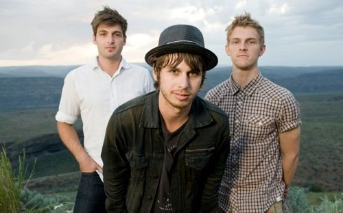 foster the people  PUMPED UP KICKS - Foster The People -