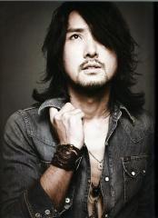 J (Jun Onose)