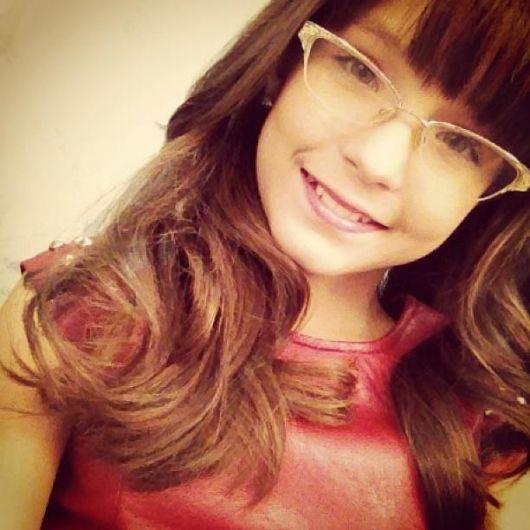 Larissa Manoela - Vou Voar - Ouvir Música 3c1ab84728
