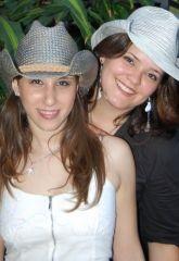 Alê Garcia e Carollina
