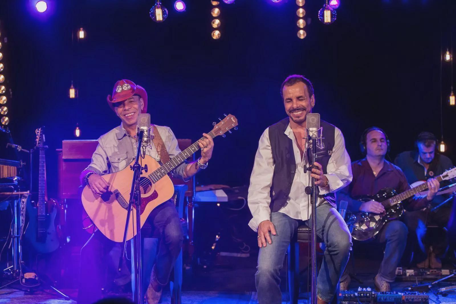 NO MUSICA MEIO BAIXAR AMOR DO CANAVIAL