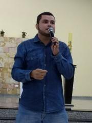 Leandro Santos - Católico