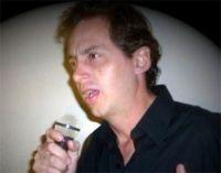 Roberto F Machado